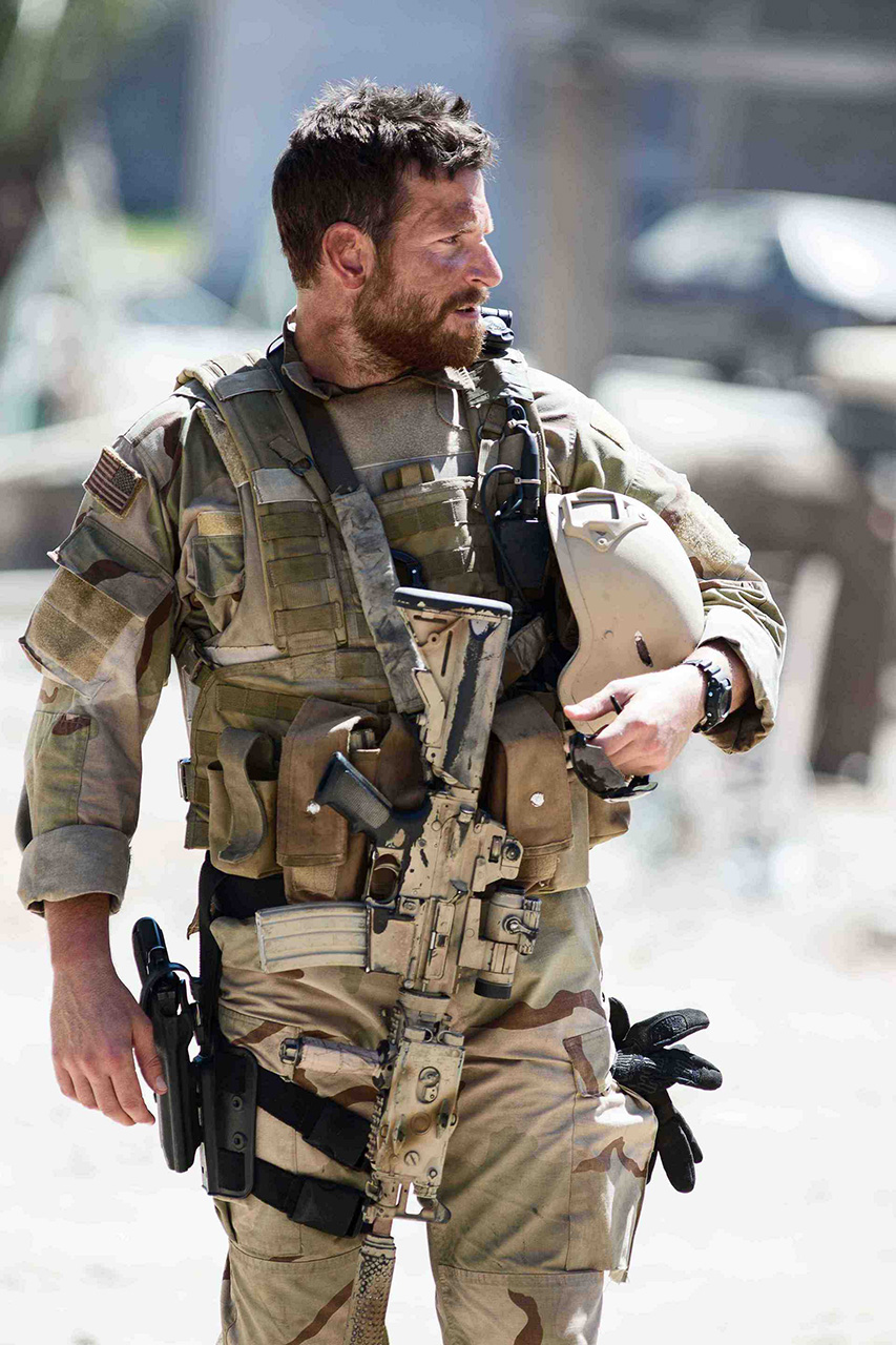 Production still of Bradley Cooper with a Mk 18 Mod 0 CQB carbine.