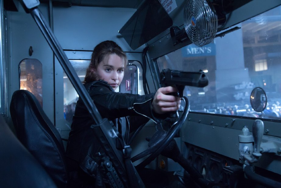 Sarah Connor (Emilia Clarke) pulls the Desert Eagle in a confrontation with the T-1000.